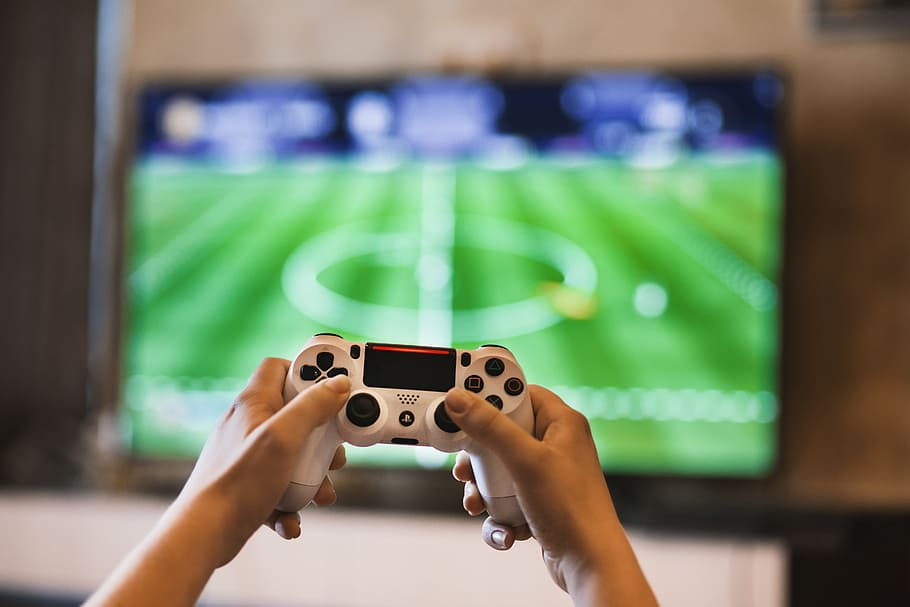gamer-controller-television-console